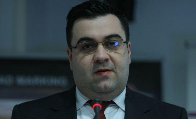 Ministrul Cuc, luat la rost după acceptul lui Iohannis: S-a trezit din pumni şi Dragnea vede în el ceva