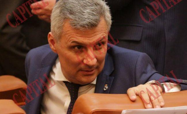 """Ce spune senatorul Daniel Cătălin Zamfir despre un șef al Raiffeisen Bank: """"Nu i s-a mișcat un mușchi pe față când l-am întrebat de eventuala incompatibilitate"""""""