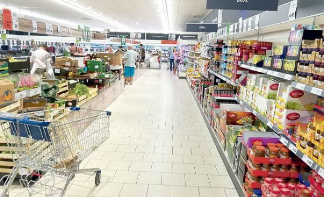 """Răsturnare de situație în scandalul alimentelor """"otrăvite"""" de la Kaufland și Carrefour. Un producător acuzat a spus totul: bacteria e prezentă în tot peștele proaspăt"""