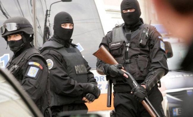 Bucureștiul, sub asediu! Mii de polițiști și angajați ai MAI, pe străzi: Pregătiri la foc automat
