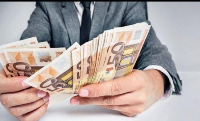 Anunțul făcut de Guvern: Se dau câte 3.000 de euro, începând de astăzi!