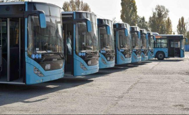 Surpriza pregătită de Firea tinerilor care vor circula cu noile autobuze