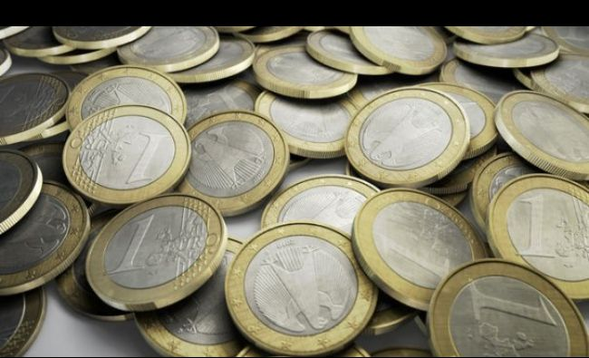 Dezastru la casele de schimb valutar. Euro a stabilit un nou record