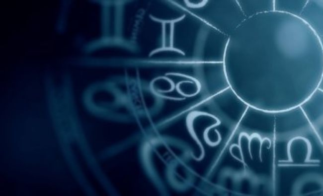 Horoscop weekend. Această zodie va primi o veste mult așteptată. Viitorul sună bine, dar ai grijă în cine ai încredere