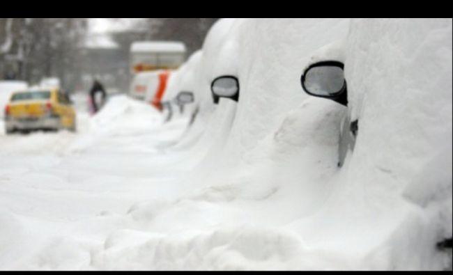 ALERTĂ: Vin zăpezile. În ce zone stratul de zăpadă va depăși 100 cm
