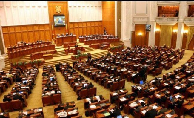 Bomba serii în Parlament! A fost revocată din funcţie după decizia CCR! Este oficial