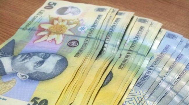 Se dau bani de la stat! Ce români vor primi peste 2 mii de lei? Mii de oameni sunt vizați