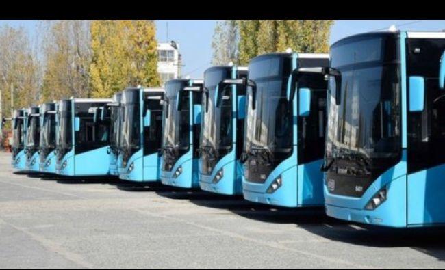 Anunț pentru bucureștenii care merg cu autobuzul! Se schimbă abonamentele pentru transportul în comun