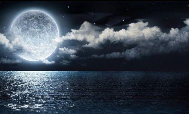 Atenție! Urmează cea mai ciudată noapte din an. Cum ne va influența cea mai mare lună plină