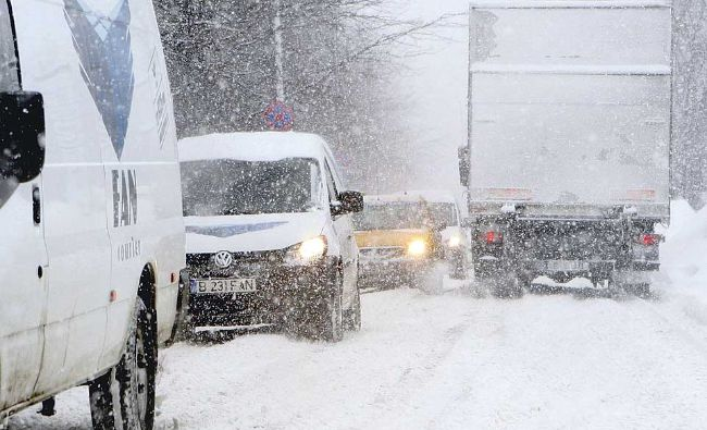 Începe să ningă în România! Anunțul făcut de ANM