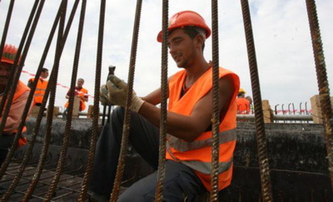 Cine va construi puntea de oțel a noului pod suspendat peste Dunăre. Va fi cel mai lung din țară