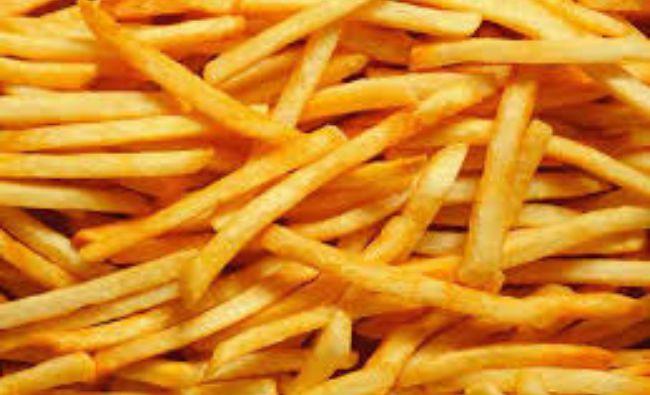 Toți facem această greșeală când prăjim cartofi! Specialiștii avertizează: Duce la boli grave!
