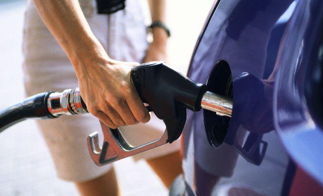 Anunț pentru cei care au mașini DIESEL și pe benzină! Adevărul a ieșit la iveală. Cine stabilește prețul
