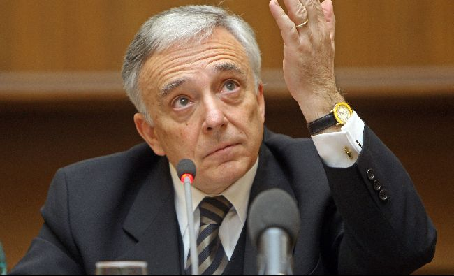 Guvernatorul BNR, Mugur Isărescu, ATAC la Guvern. Șterge pe jos cu fiecare minister în parte