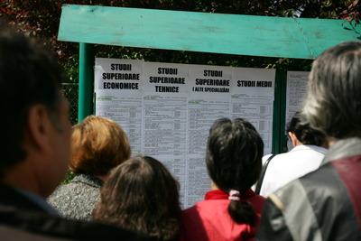 Peste patru mii de şomeri pot face cursuri de formare profesională în această lună