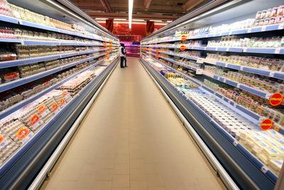 Mâncăm lactate din import de 220 milioane euro