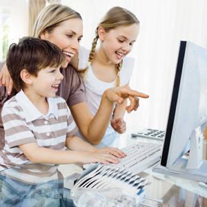 7 pericole la care sunt expuși copiii pe internet. Atenție și la rețelele sociale