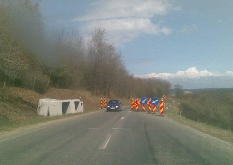 Cum fac austriecii un drum în România: sapă un metru după 9 luni întârziere. Studiul de caz al unei mari bătăi de joc