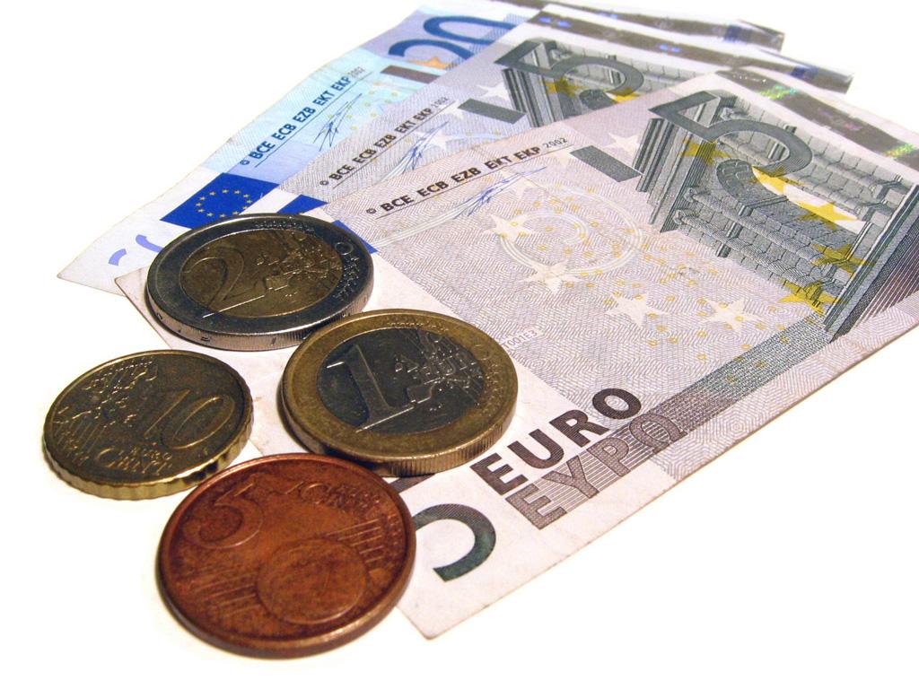 Letonia: Trecerea la euro a fost urmată de un val de plângeri privind creşterea preţurilor