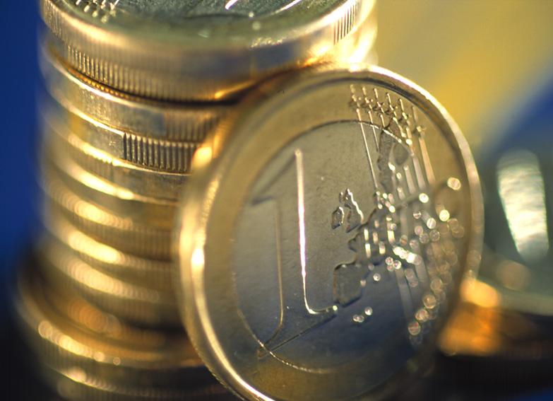 Se reiau plățile europene pe POSDRU, dar cu o corecție de 10%