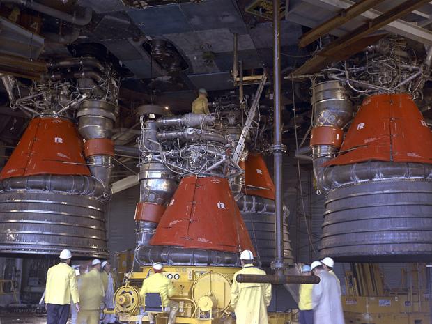 Fondatorul Amazon.com vrea să recupereze motoarele misiunii Apollo 11 din Oceanul Atlantic