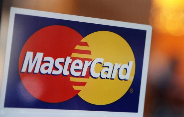 Pericol maxim pentru cei care au carduri bancare! Anunțul făcut de Mastercard