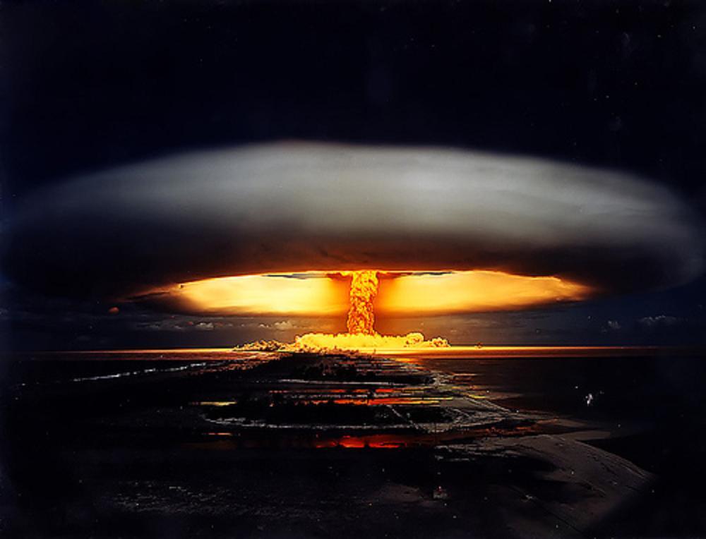 Expert rus: Americanii vor utiliza arma nucleară împotriva Iranului