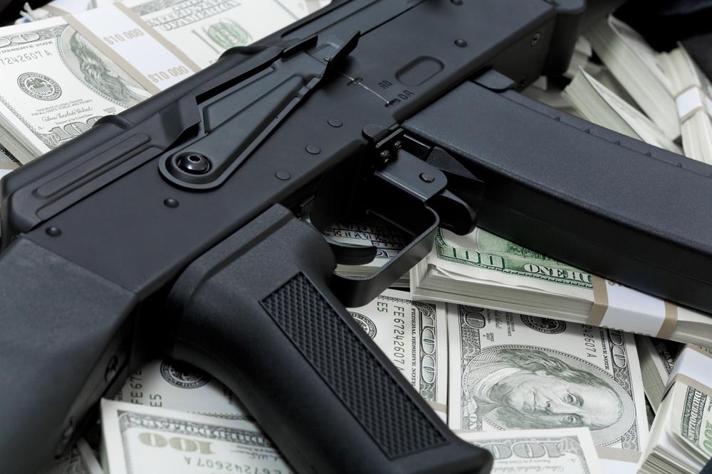 Cheltuielile militare mondiale s-au stabilizat în 2011 pe fondul crizei