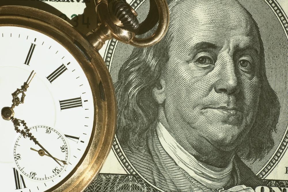 Dolarul schimbă prefixul în raport cu leul